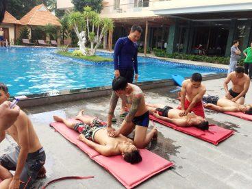 Chứng Chỉ Cứu Hộ Dạy Bơi Kèm Riêng Phạm Tuân