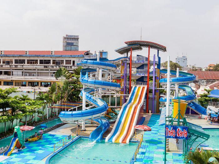 Hồ bơi Đại Thế Giới nằm tại địa chỉ số 1106 Đường Võ Văn Kiệt, Phường 6, Quận 5, thành phố Hồ Chí Minh