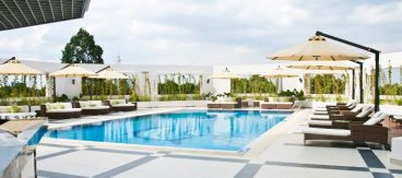 Hồ bơi khách sạn Tân Sơn Nhất nằm ở vị trí: 202 Hoàng Văn Thụ, phường 9, quận Phú Nhuận, Thành phố Hồ Chí Minh