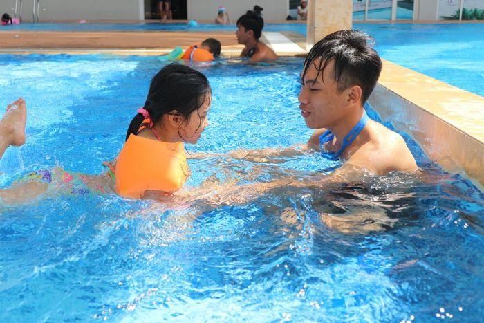 Nếu bạn đã đến hồ bơi Phương Nam thì chắc chắn không nên bỏ qua những khó học bơi của Trung Tâm Dạy Bơi Phạm Tuân
